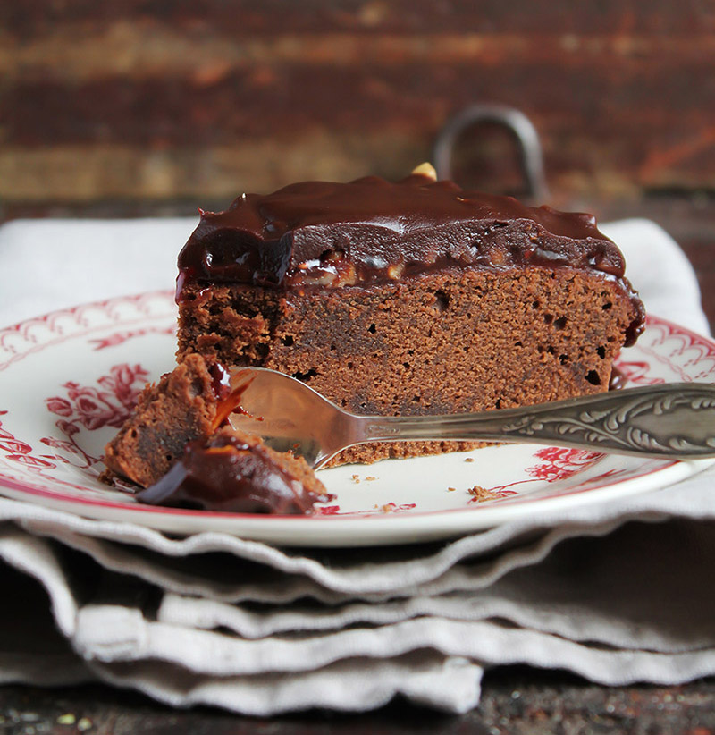 Tasty Chocolate Craving Cake